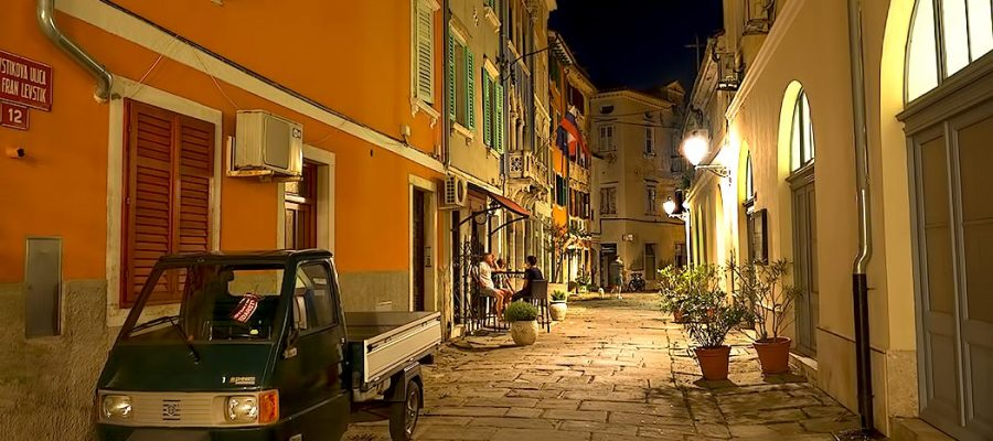 Slovenia-Piran-Levstikova-Street-by-night